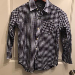 Gap button up shirt- like new